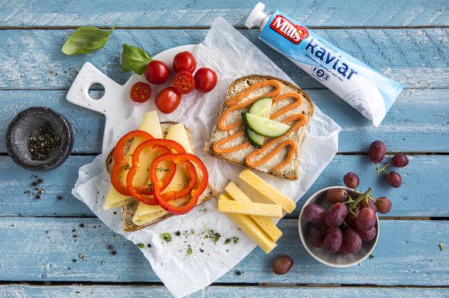 Matpakke med gulost og kaviar