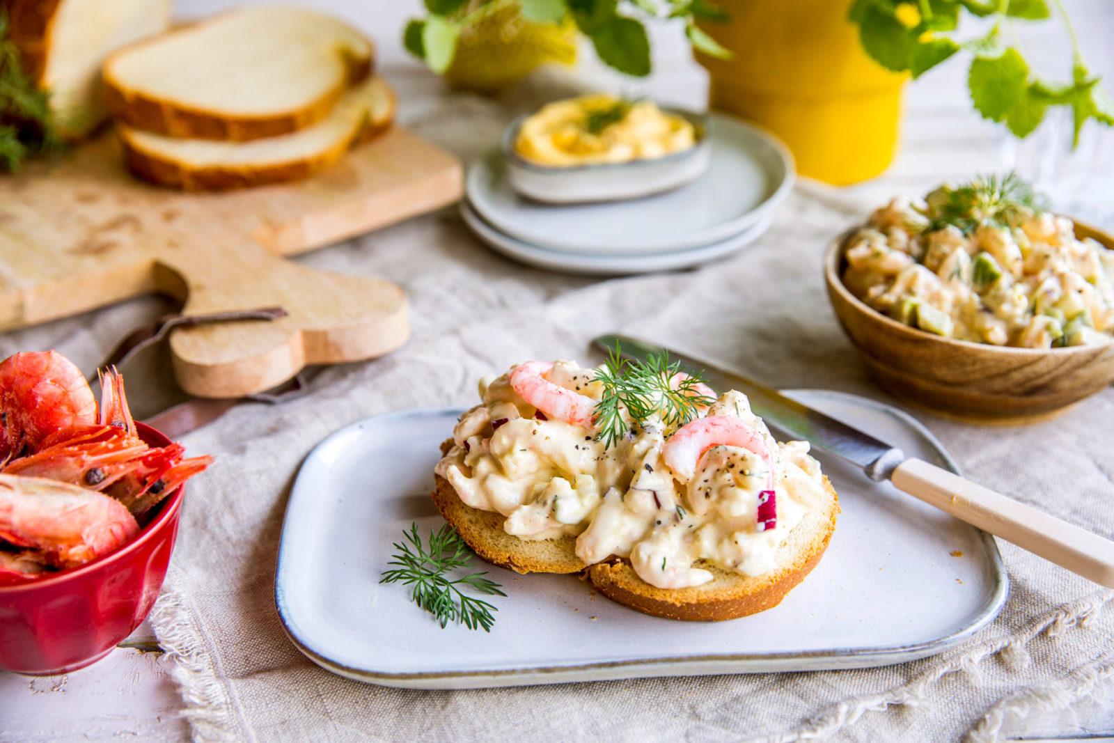 Rekesalat med dijonnaise og avokado