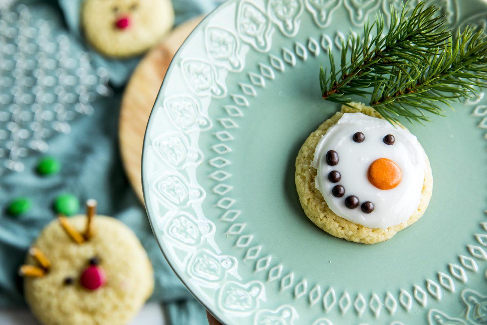 Barnas julekjeks pyntet som Olaf