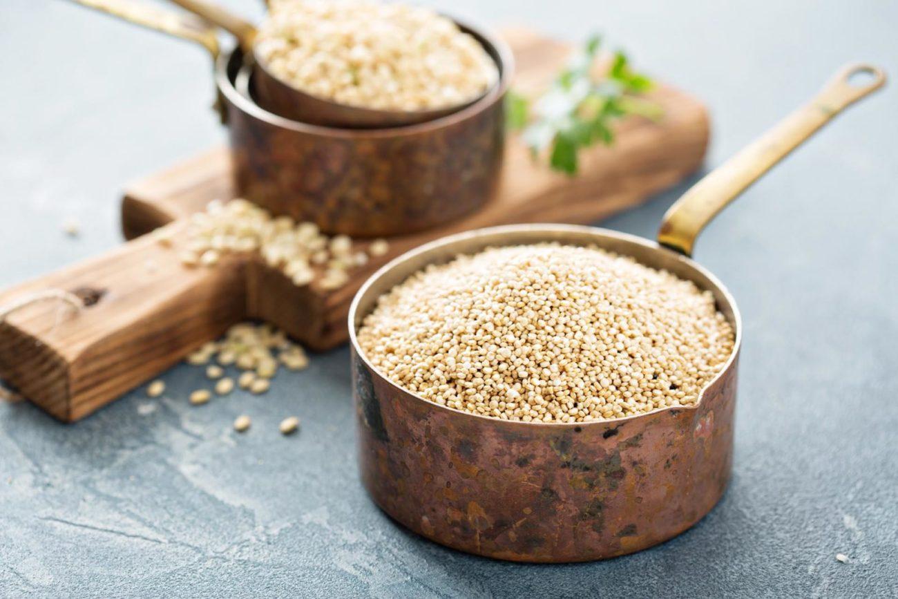 quinoa-korn i kasserolle