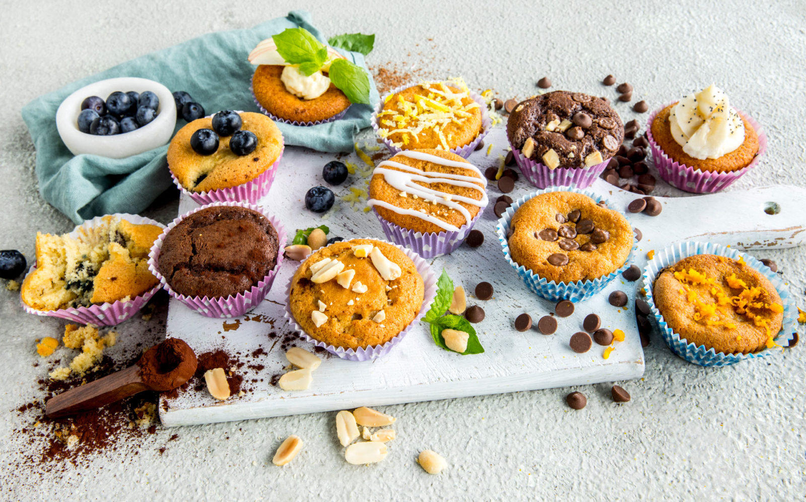 10 ulike muffins av 1 muffinsrøre. Foto.