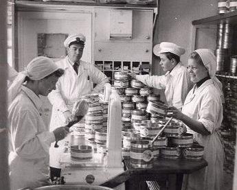 Bilde fra majonesproduksjon i Skomakergata 2