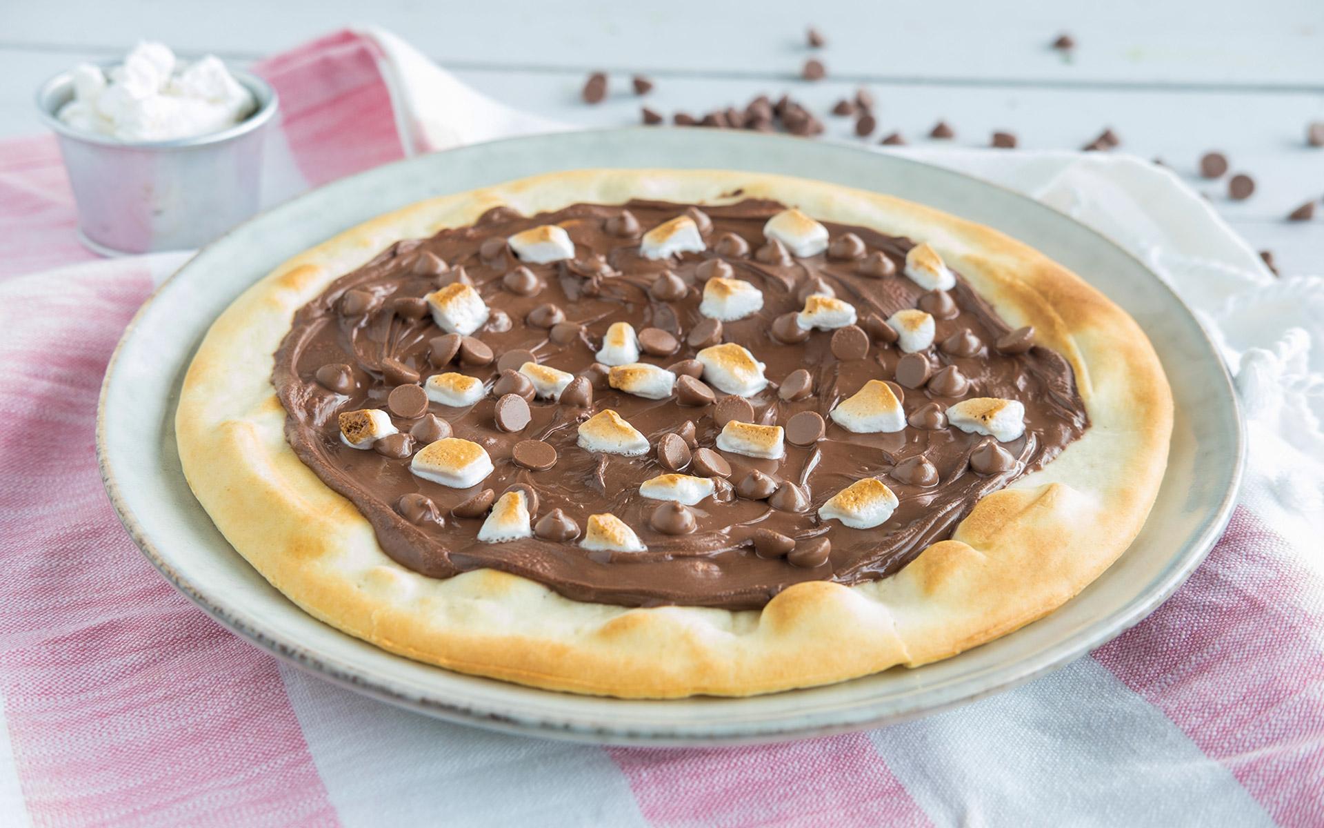 Dessertpizza med nutella. Foto.