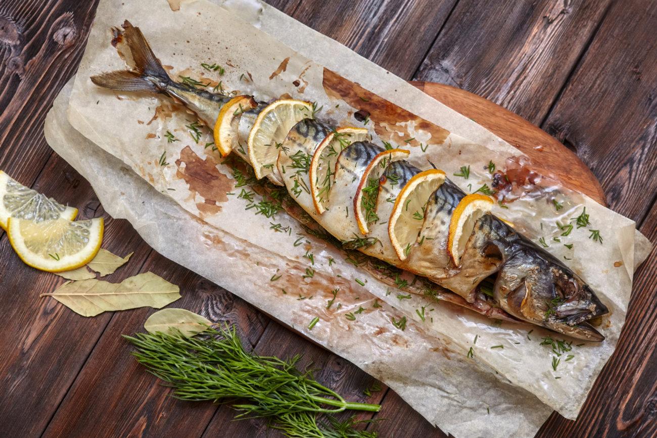 Helgrillet fisk. Foto.