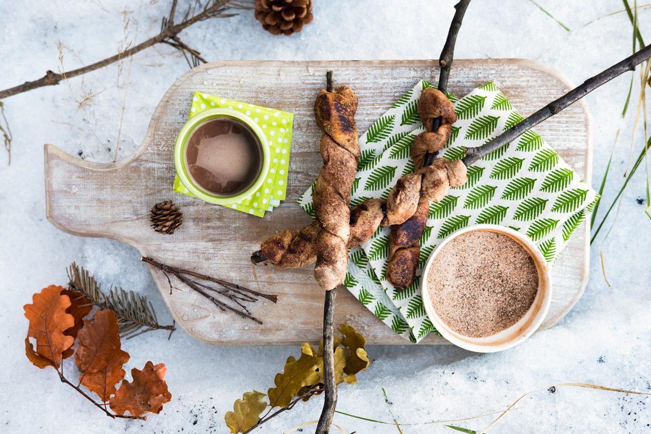 Ny vri på pinnebrød – kanelsnurrer laget på bål