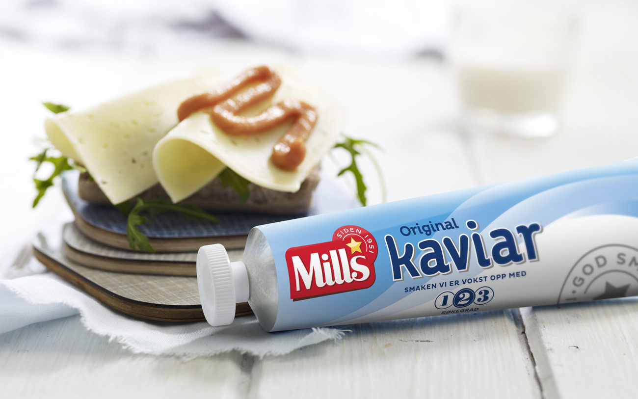 Mills kaviar med brødskive og gulost. Foto.
