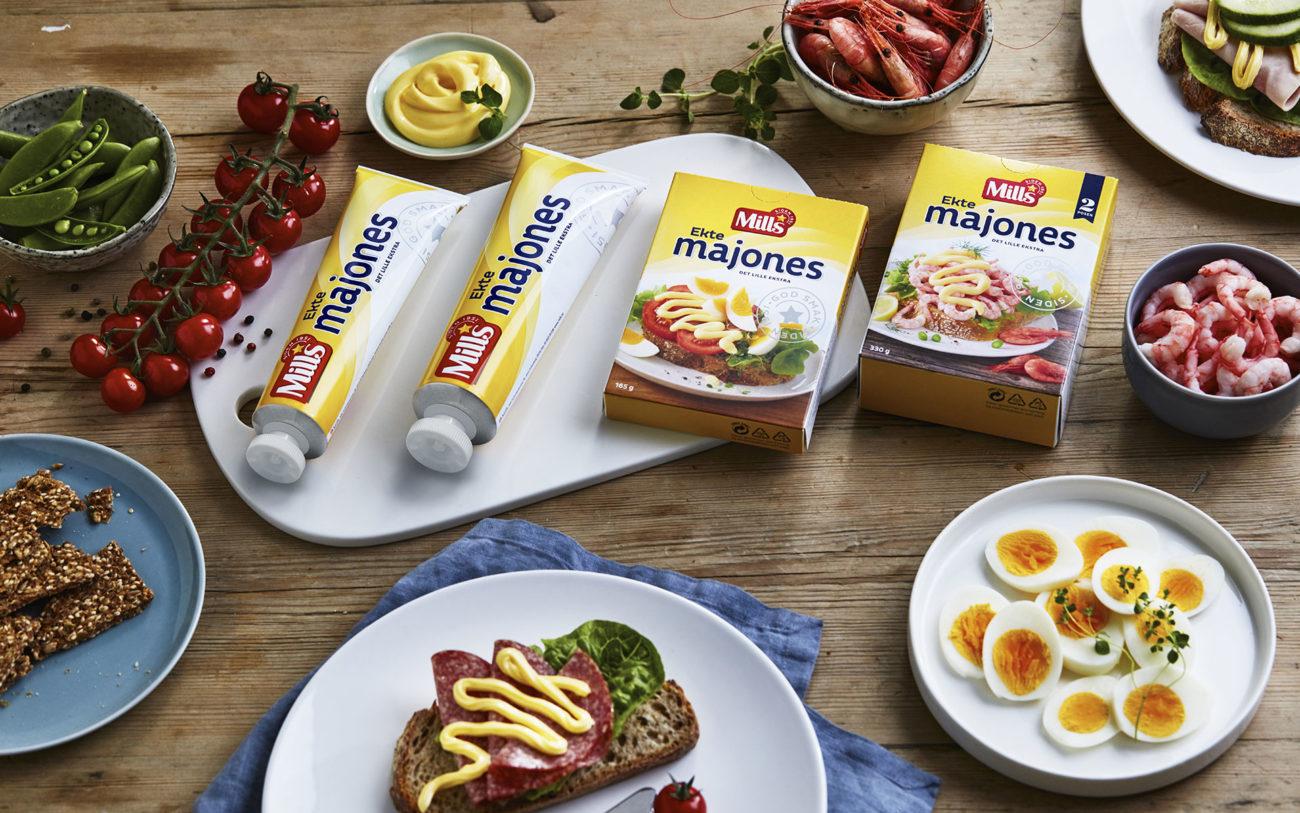 Mills ekte majones på frokostbord. Foto.