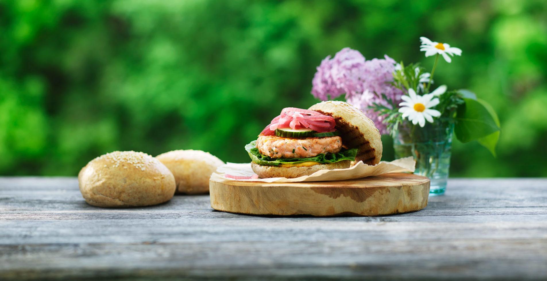 Lakseburger. Foto.
