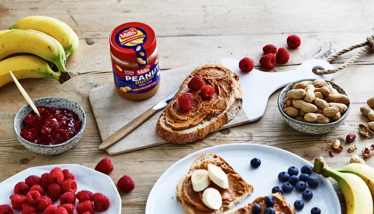 Brødskiver med Mills peanut butter