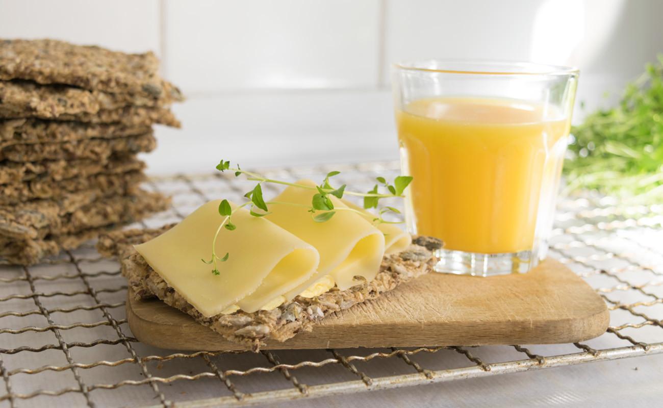 Knekkebrød med Soft Flora og ost