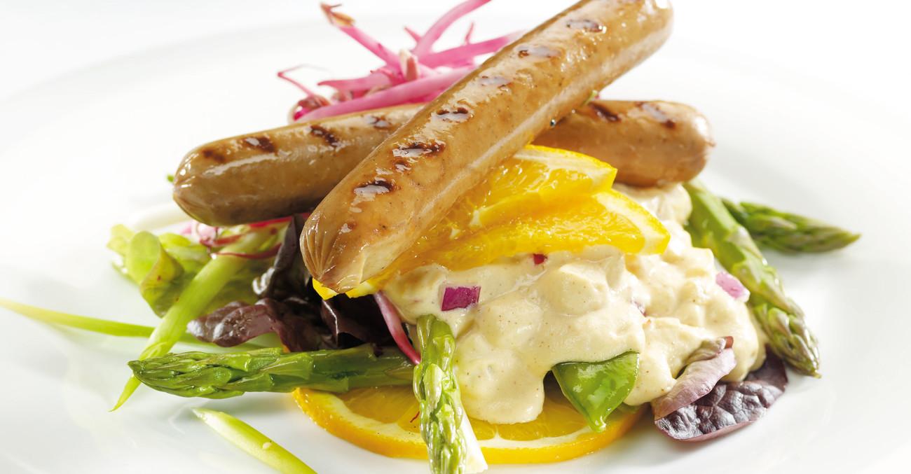 Delikat potetsalat sammen med pølser